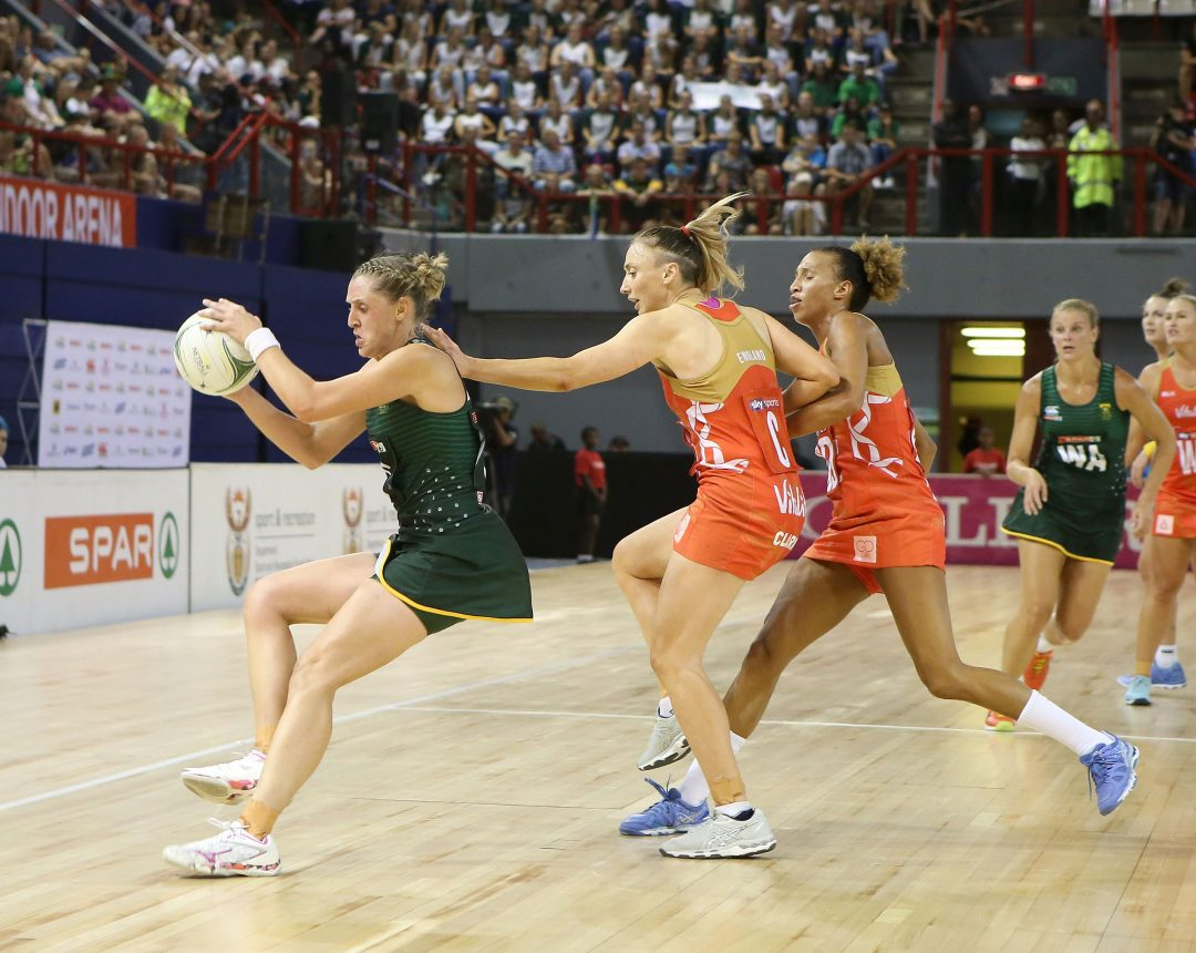 ENGLAND ROSES BEAT SPAR PROTEAS IN THE BATTLE OF THE FLOWERS